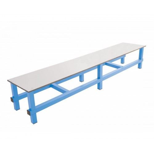Simple tube bench with fenolic seat