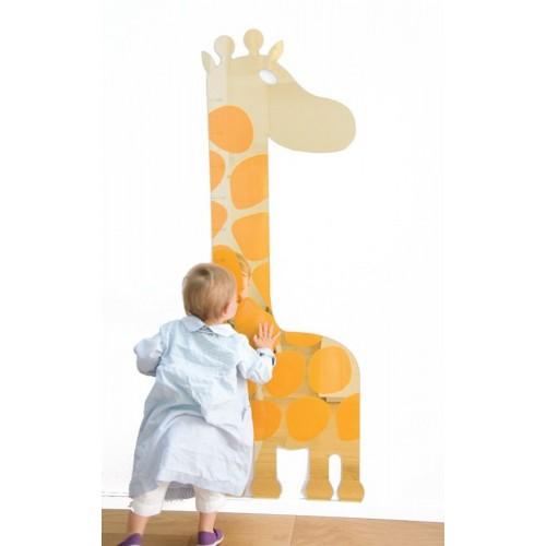 Espejo jirafa con metro para medir altura