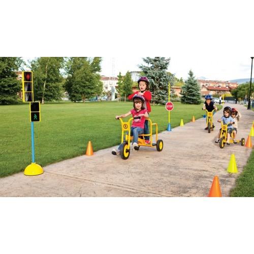 Triciclo escolar doble