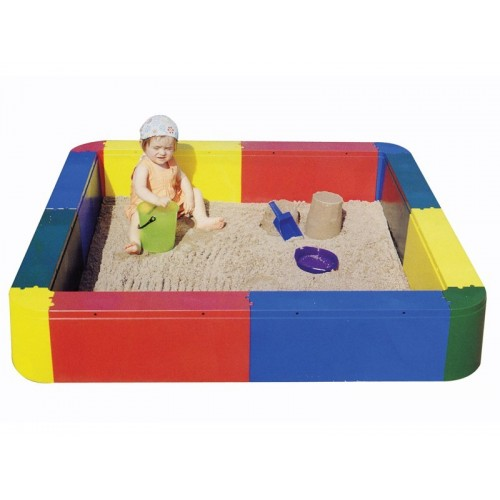Square pool for sand